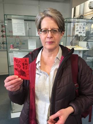 Beatriz with her envelope